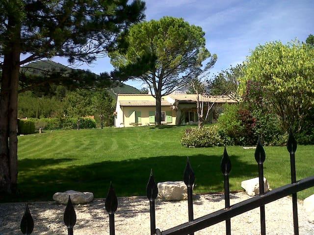 Grande villa entre Vercors et Drôme provencale - Die - วิลล่า