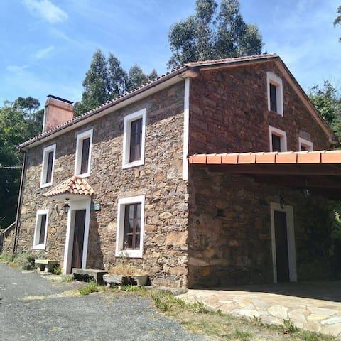 Casa rural casas de campo en alquiler en cari o galicia - Casas de campo en galicia ...