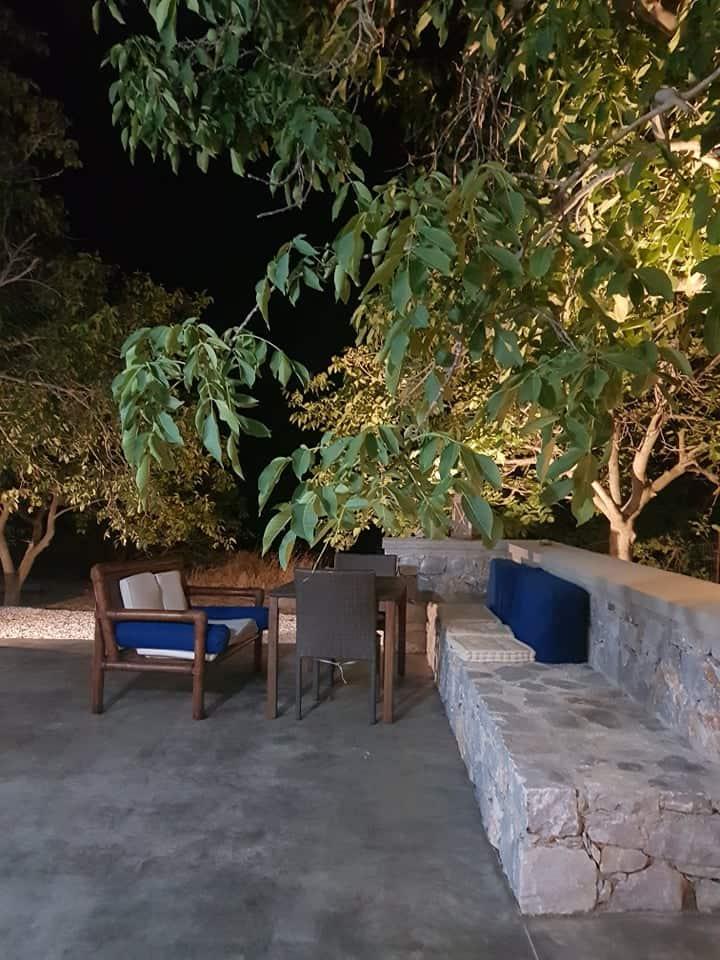 Patriko-Cozy villa on the foot of the mountains