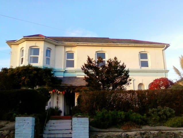 The Hazelwood - Family Room 1 - Shanklin - Bed & Breakfast
