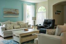 Queen Bedroom in bright + quiet home in Estero