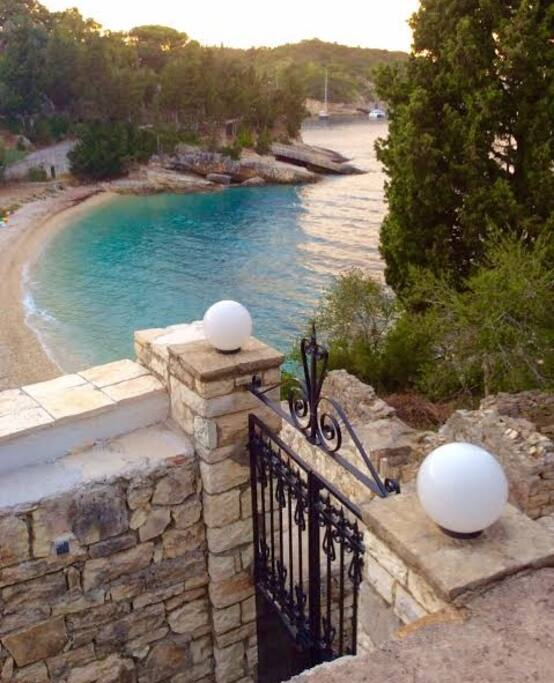 Gate to the sea below.