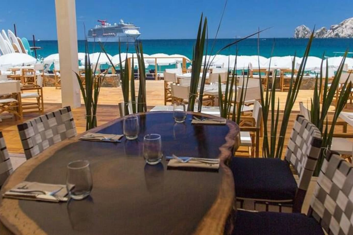 Best location in cabo!!! / picture of the area . Room has part ocean view.