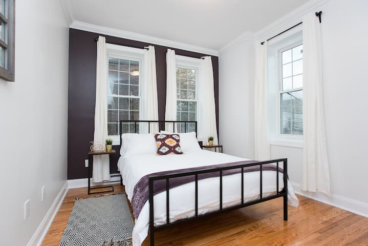 Stylish 2bed/1bath 15 minutes away from NYC!