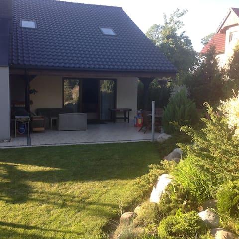 Dom z ogrodem - Małkowo