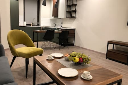 Perfect 1BDR Apartment in the City Center Heart