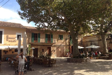 Typical mallorcan house - Valldemossa