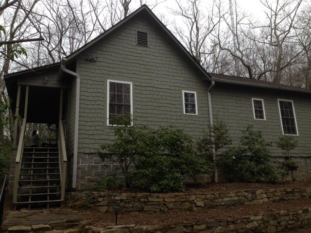 Large 2 Bedroom Mountaintop House - Cleveland - Hus