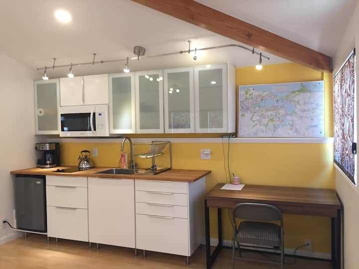 Cozy, newly remodeled Inlaw cottage