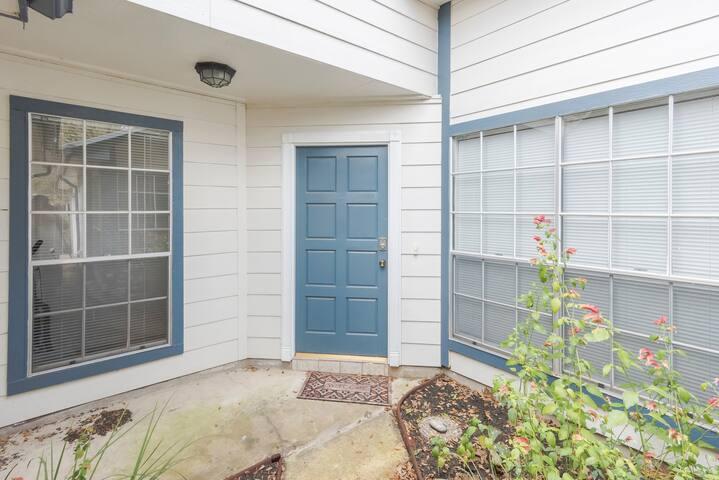 Cozy Convenient Home(1BR/1BA)