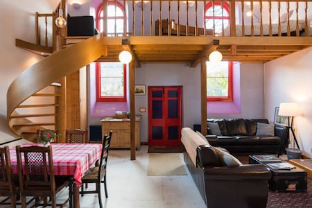 Hugh's Chapel (Min 4 persons in hols and weekends)