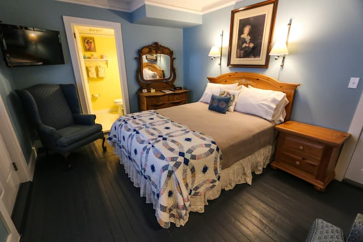 Queen Room with jetted tub and private porch