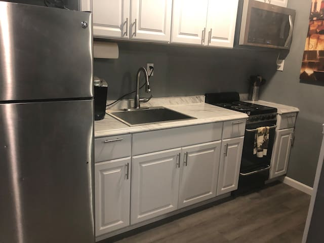 Full kitchen with all your cooking needs!