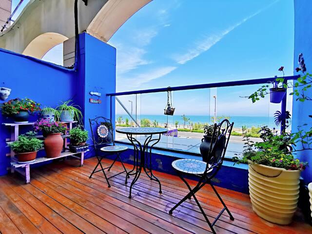 金沙滩一线海景花园式观海露台摩洛哥风情之舍夫沙万 出门漫步万米沙滩