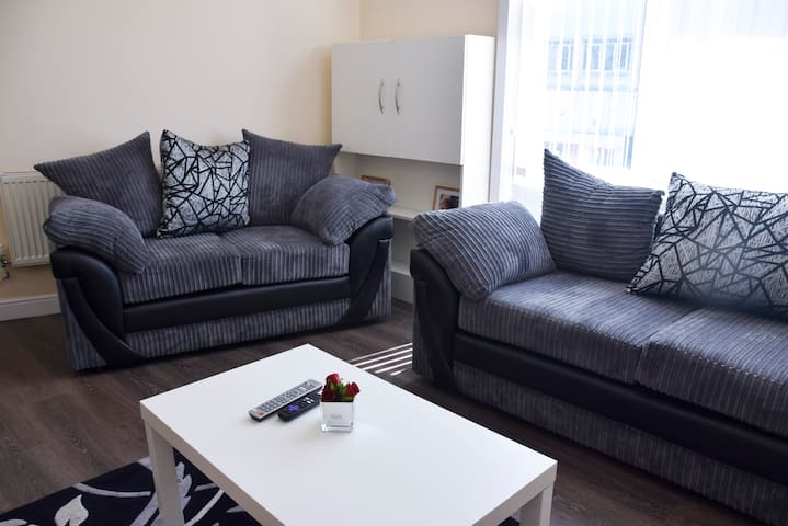 Luxury City Centre Apartment 2 in LE1 with parking