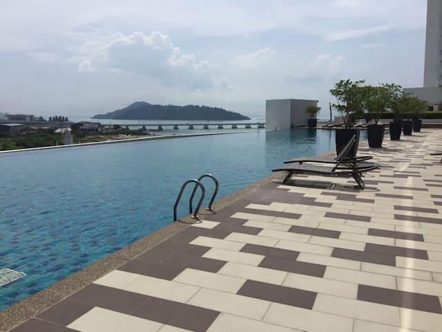 D Breeze @ Oceanfront II - 4 Rooms 5 beds 微风在海滨 2