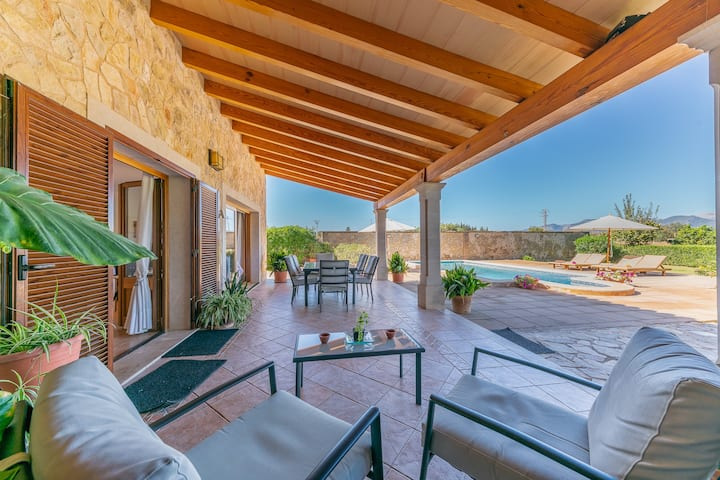 NEW! Es Cortó:Great well maintenad finca with pool