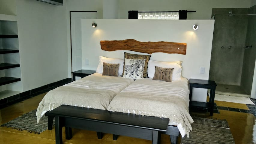 IsiLimela Lodge 2 pers. suite with beautiful view! - Hoedspruit - Wohnung