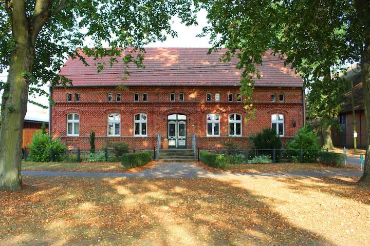Romantisches Anwesen im Dorfkern von Buchholz - Buchholz - Pis