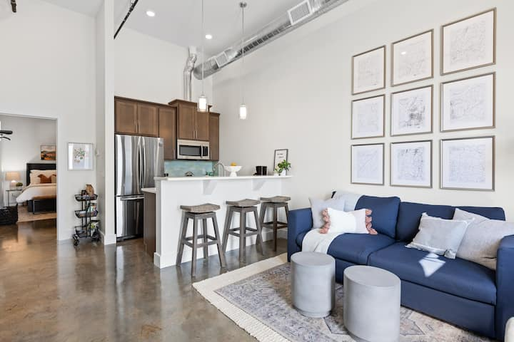 Peaceful and Contemporary 1BD 1 BA Oasis
