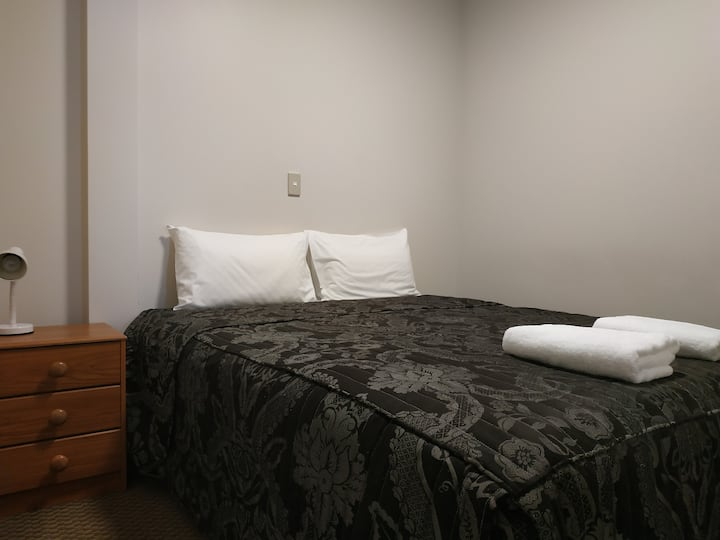City 1 bedroom apartment - Motel on Carroll