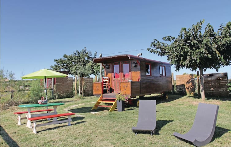 Mobil home with 1 room on 18m² in Franquevaux