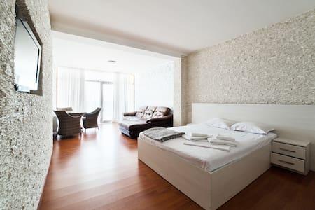 1137 Апартаменты с видом на море в Совиньоне - Odessa - Daire