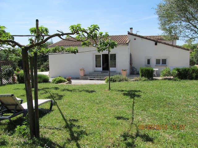 maison dans un domaine familial au calme - Limoux - Talo