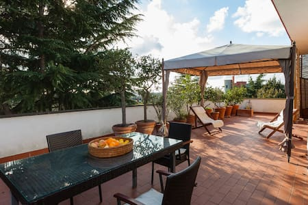 Room With a VIEW - Camera con vista - Roma - Apartment