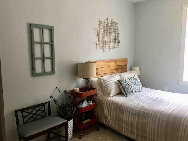 Bedroom 2. 1 double bed