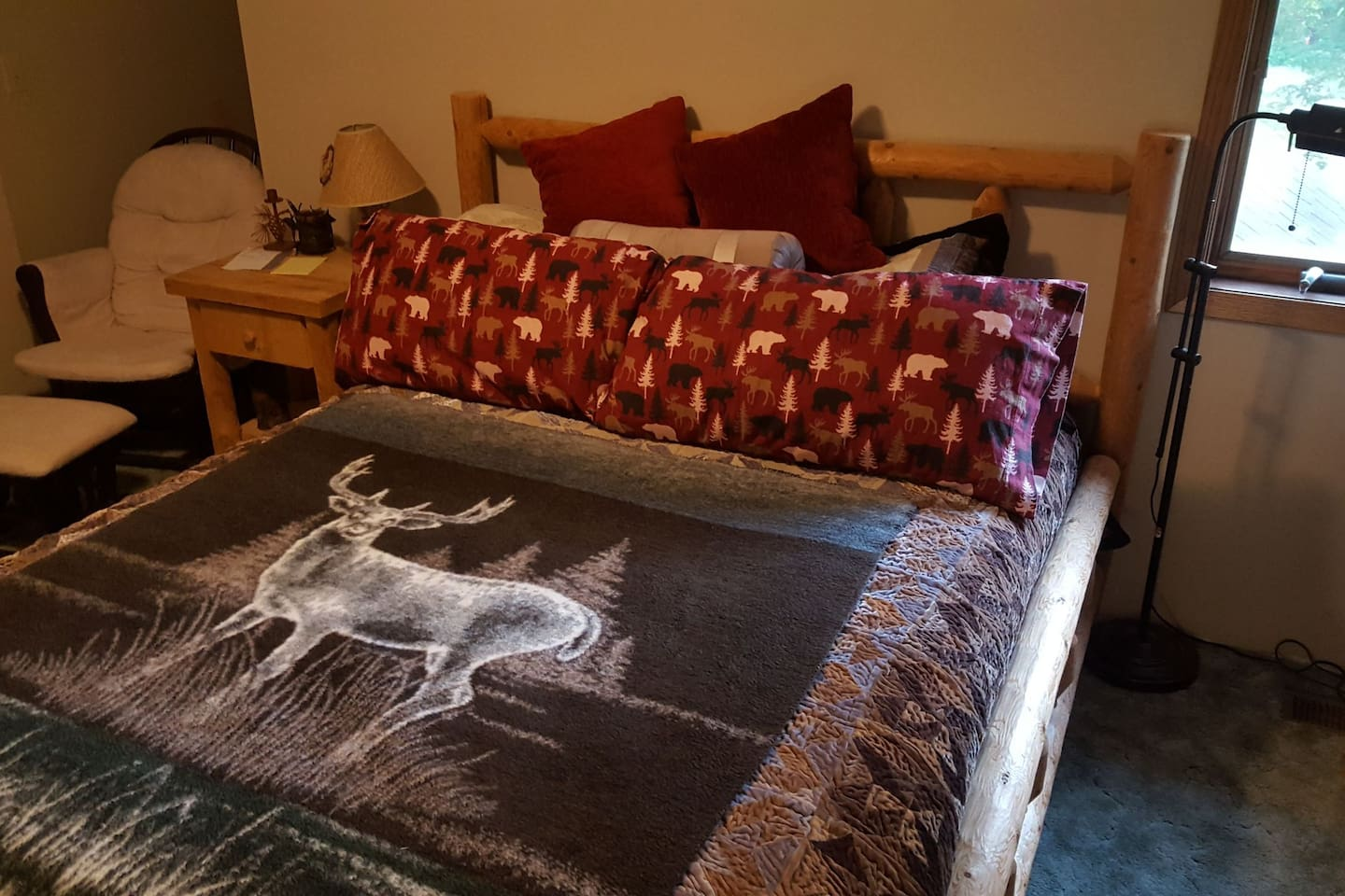Hideaway from the Twin Cities: N STAR: Queen Bed