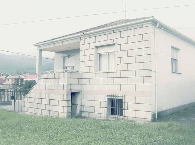 casa  rural entera en Ribadavia con jardín privado