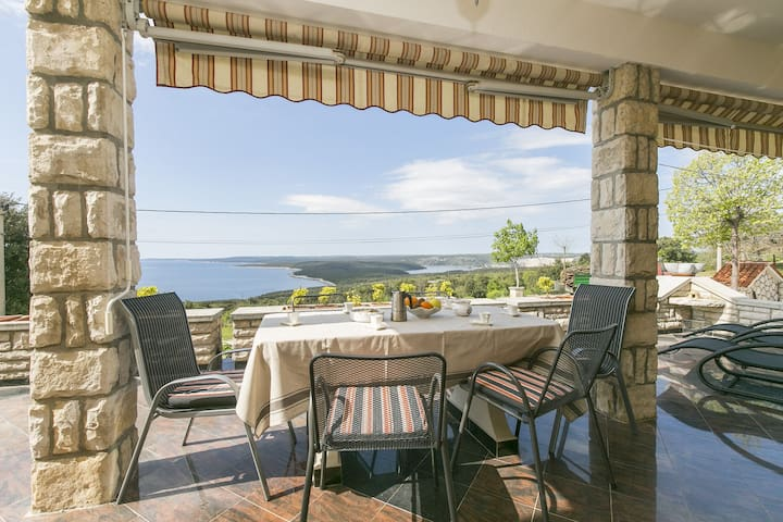 Comfortable app Doda with a sea view - Koromačno - Daire