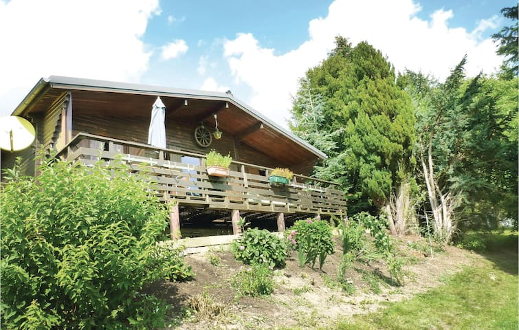 Holiday cottage with 2 bedrooms on 54m² in Schlindermanderscheid
