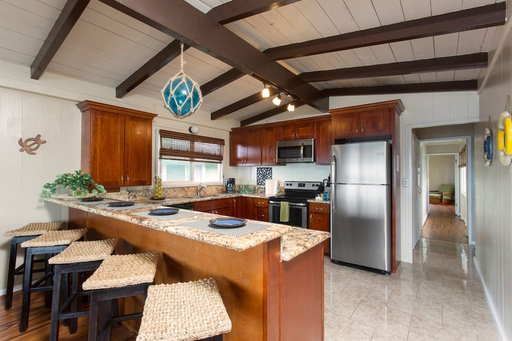 Turtle bungalow kitchen and breakfast bar.