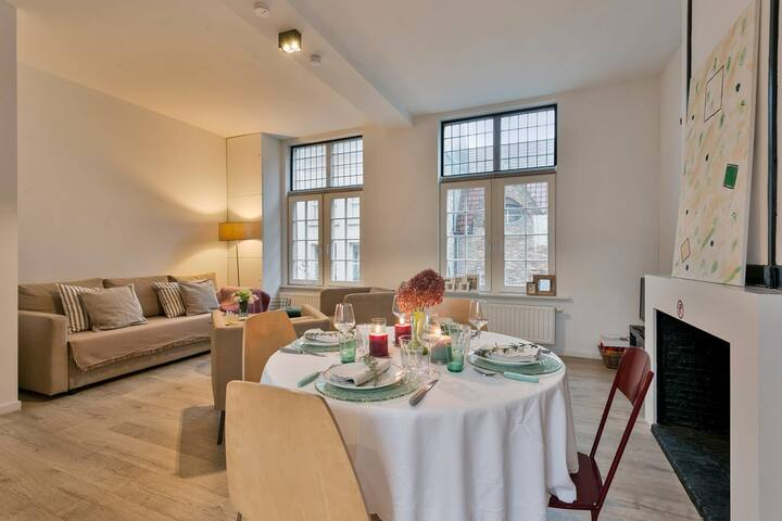 Perfectly located 2 bedroom apartment in old city-center