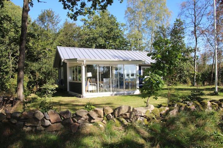 Stuga Ekelund near Lake Jällunden