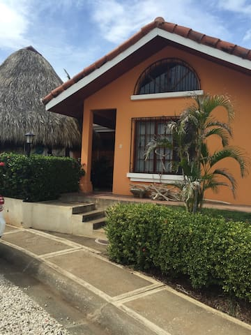 2 Bed /2 ba Villa gated with pool - Tamarindo - House
