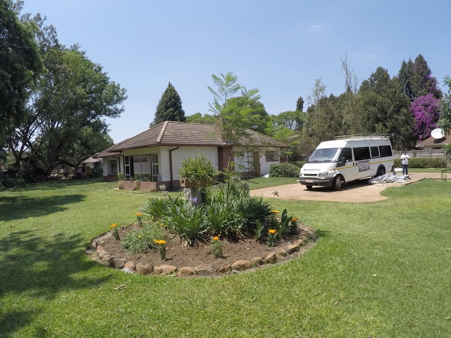 Melrose guest house welcomes you bed and breakfasts for for Beds zimbabwe