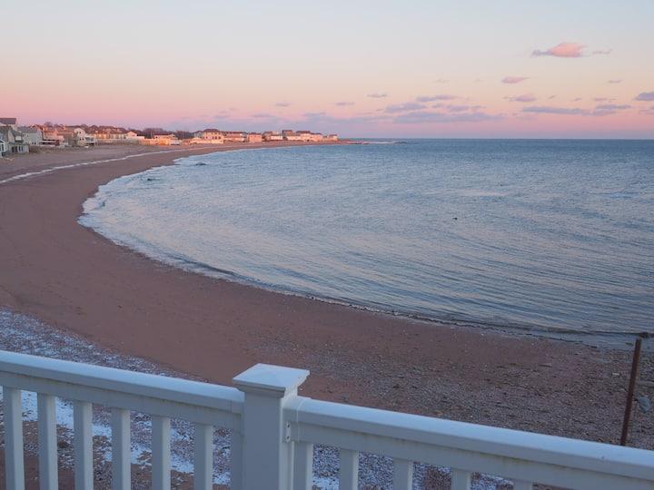Casa al Mare Beachfront Retreat Yale New Haven