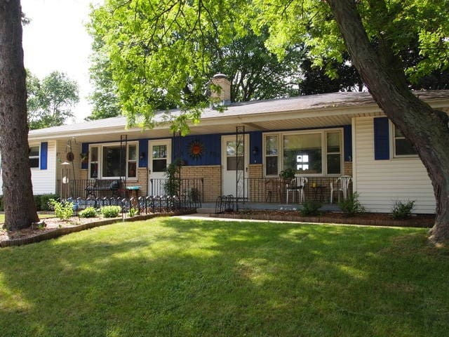 Cozy 2 bedroom, great location! - Madison - House