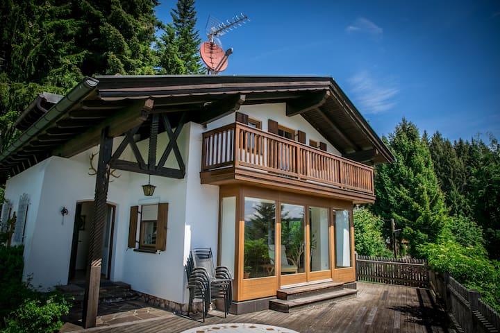 Haus mit traumhaften Gebirgspanorama - Noppenberg - Casa