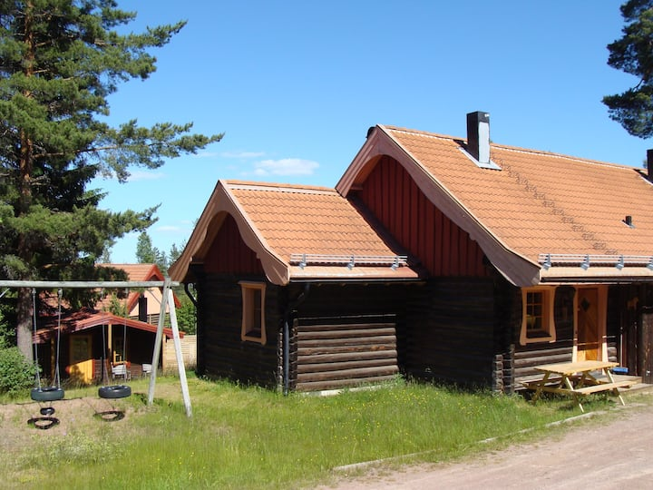 A fabulous log house at the foot of Gesundaberget.