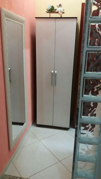 Hall  de entrada para o banheiro