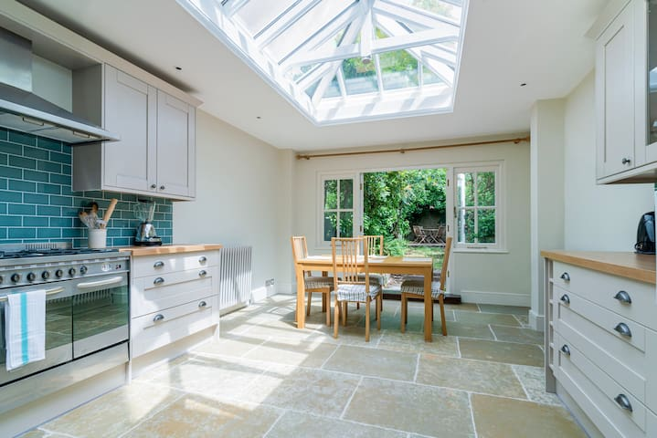 Marvelous 3BR House in Kennington with Garden