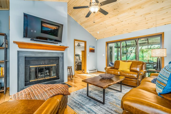 Lovely home in the woods w/ a game room, free WiFi, & gas fireplaces