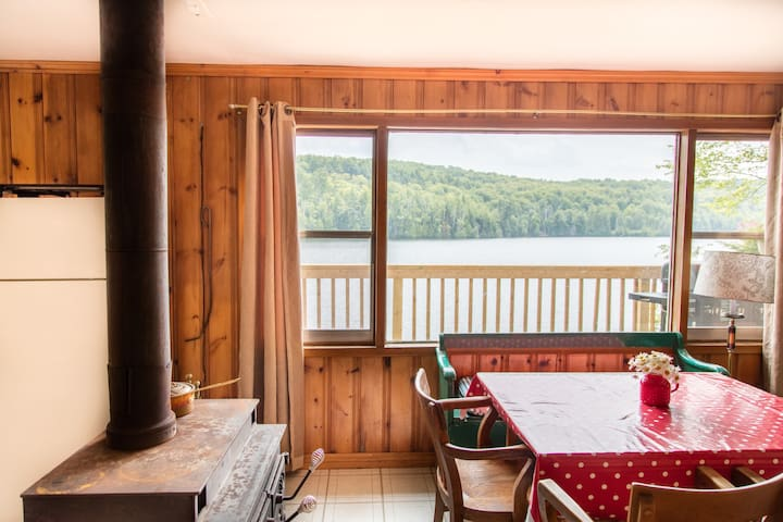 Lakefront Forested Cottage 3BDR - Harcourt - Cabaña