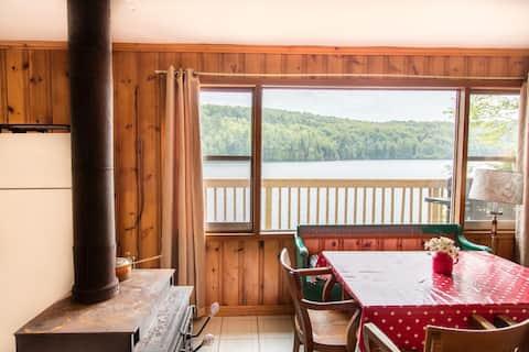 Lakefront Forested Cottage 3BDR