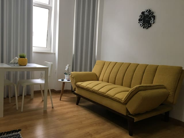 Cozy apartment with terrace next to train station