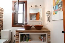 Casaluthel - luxe slaap/badkamer 1 incl. ontbijt